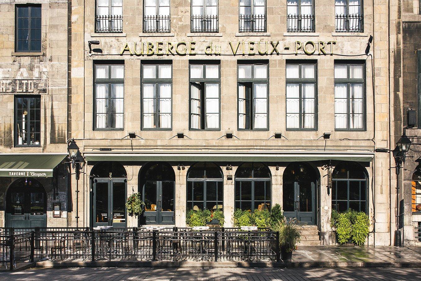 Façade de l'Auberge du Vieux-Port